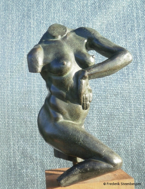 """ Elbow ""  29cm Tall  *   bronze - 2008  ( unicum )"